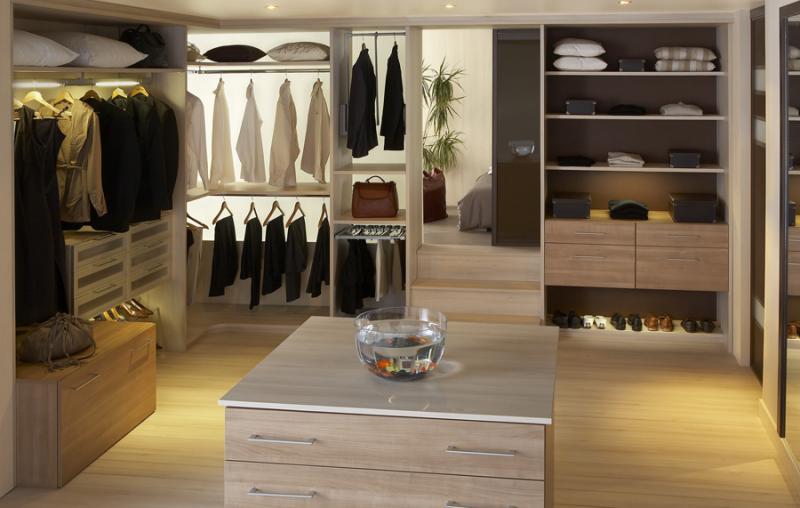 rangements placards dressings chambon cuisine 63 en auvergne puy de d me cuisines design. Black Bedroom Furniture Sets. Home Design Ideas
